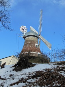old-windmill-96688_640